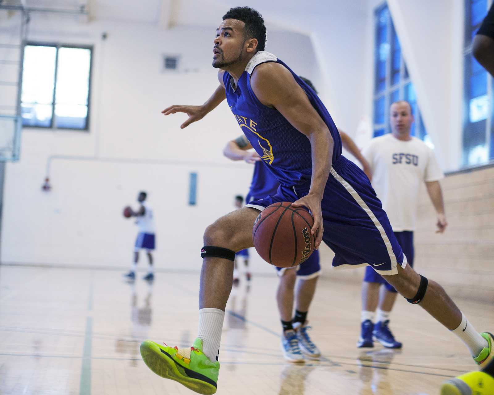William Overton Jr. runs a drill at practice on Tuesday, Oct. 15, 2013 at SF State. The Gators play their first game on Saturday, Nov. 2 against St. John's University in Queens, NY. Photo by Dariel Medina / Xpress